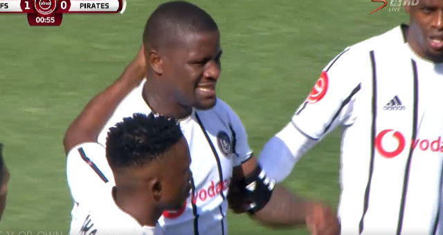 Absa Premiership | Kaizer Chiefs v Orlando Pirates | Ntsikelelo Pirates score own goal